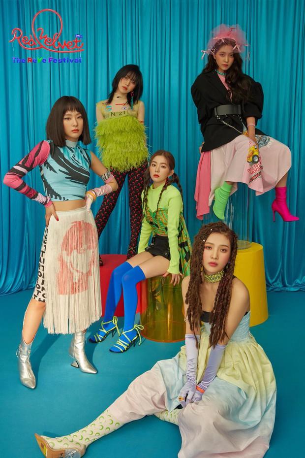 Red Velvet: Lúc debut tưởng như có tất cả, sau 5 năm lại lép vế hẳn so với TWICE và BLACKPINK, vì đâu nên nỗi? - Ảnh 9.