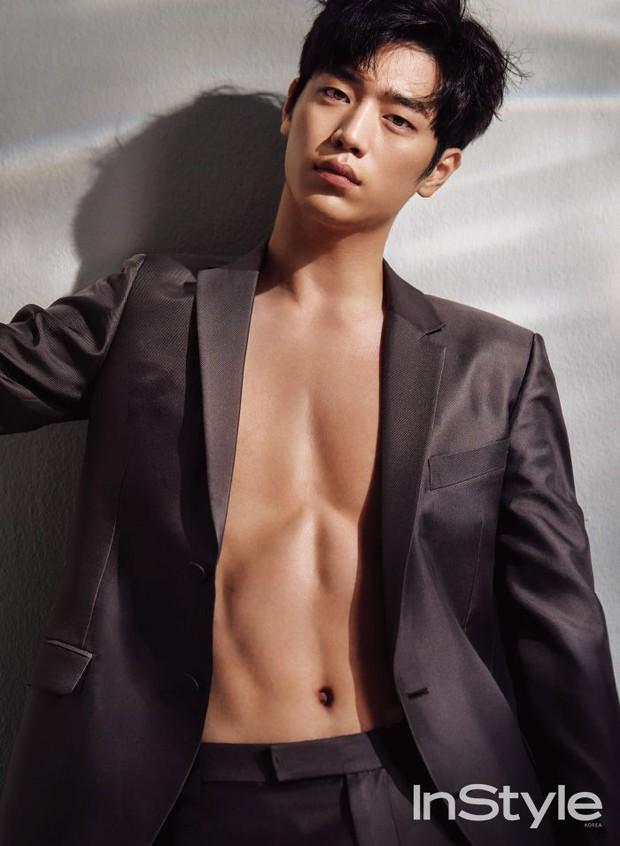 Xem Người Quan Sát chị em mãi không tập trung được vì chăm chăm tia body cực phẩm của mỹ nam Seo Kang Joon - Ảnh 6.