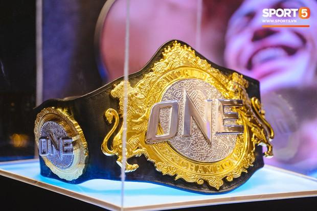 Ngây ngất trước nhan sắc của hai thiên thần trong ngày họp báo sự kiện ONE Championship: Dawn Of Heroes - Ảnh 8.