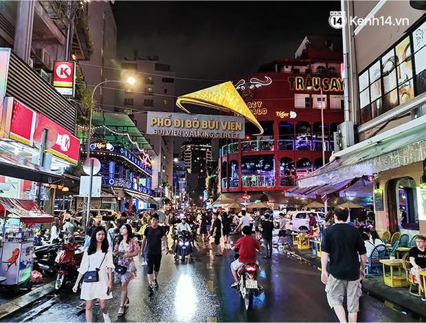Sài Gòn nắng mưa thất thường, đêm xuống biết đi đâu chơi? - Ảnh 19.