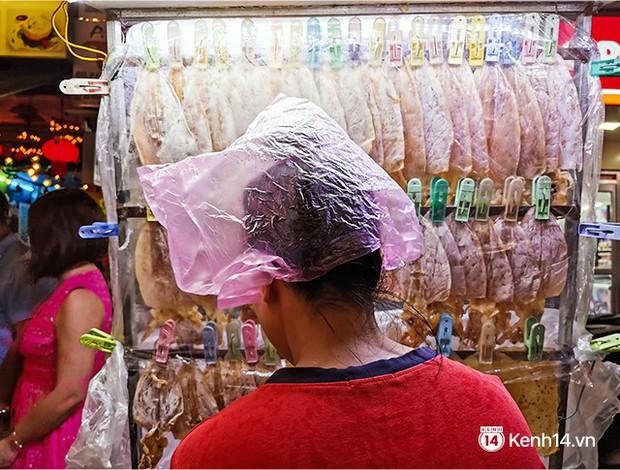 Sài Gòn nắng mưa thất thường, đêm xuống biết đi đâu chơi? - Ảnh 21.