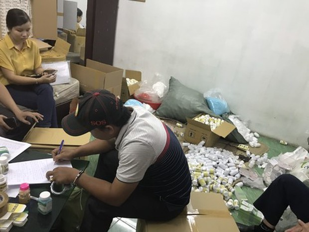 Hai lãnh đạo công ty dược cầm đầu đường dây làm thuốc giả hàng chục tỷ đồng ở Sài Gòn - Ảnh 1.