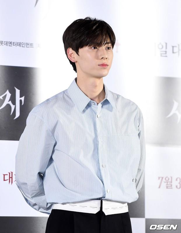 Sự kiện VIP hội tụ 30 sao khủng: Park Seo Joon mời V (BTS), tài tử Hậu duệ mặt trời, Kí sinh trùng và toàn mỹ nhân - Ảnh 11.