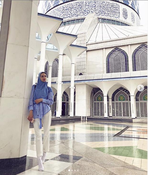 Người đẹp Nga chia sẻ thông tin mới nhất về cuộc hôn nhân với cựu vương Malaysia khiến cộng đồng mạng hoang mang - Ảnh 1.