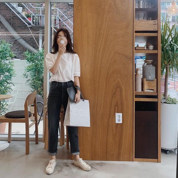 Dù tới sở làm hay đi chơi thì street style châu Á tuần này cũng cân hết, 15 bộ đều đơn giản mà đẹp sang - Ảnh 11.