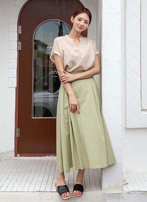 """4 mẫu áo blouse chống chỉ định chị em diện đi làm bởi kiểu thì hở hang quá, kiểu thì """"bô nhếch"""" kém sang - Ảnh 12."""