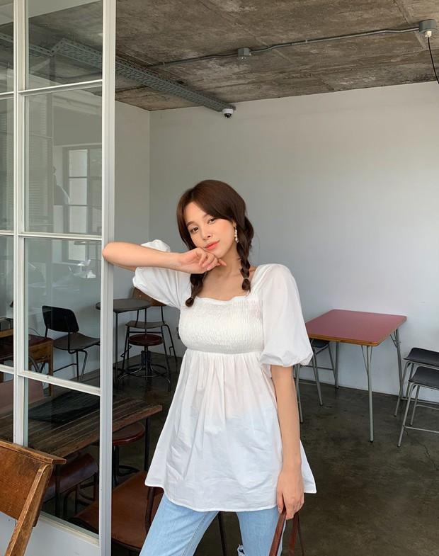 """4 mẫu áo blouse chống chỉ định chị em diện đi làm bởi kiểu thì hở hang quá, kiểu thì """"bô nhếch"""" kém sang - Ảnh 13."""