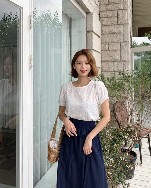 """4 mẫu áo blouse chống chỉ định chị em diện đi làm bởi kiểu thì hở hang quá, kiểu thì """"bô nhếch"""" kém sang - Ảnh 4."""