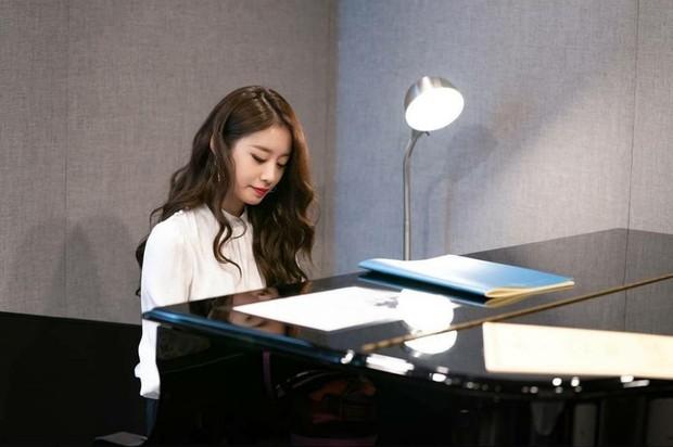Trở lại màn ảnh sau 5 năm, Ji Yeon (T-ara) đóng vai phụ mà đẹp hết phần thiên hạ, đàn em vai chính chặt không lại - Ảnh 7.