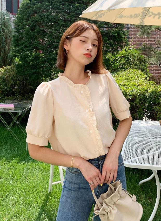 """4 mẫu áo blouse chống chỉ định chị em diện đi làm bởi kiểu thì hở hang quá, kiểu thì """"bô nhếch"""" kém sang - Ảnh 8."""