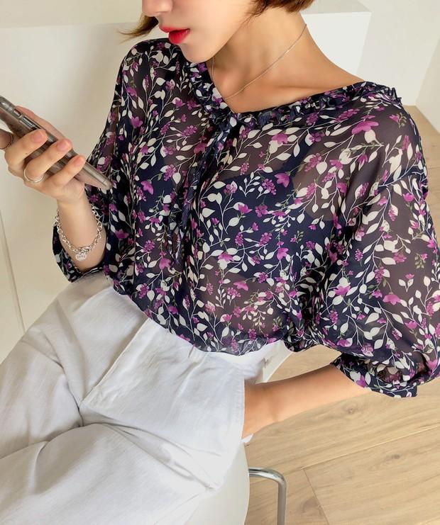 """4 mẫu áo blouse chống chỉ định chị em diện đi làm bởi kiểu thì hở hang quá, kiểu thì """"bô nhếch"""" kém sang - Ảnh 9."""