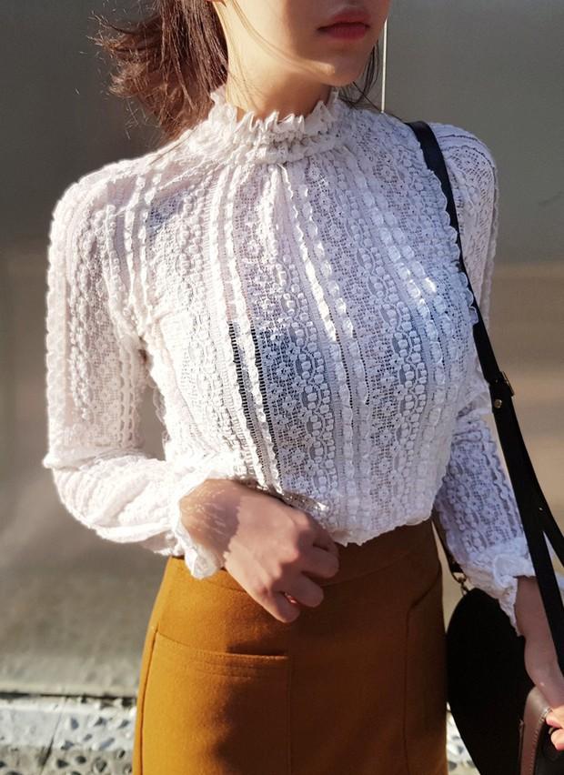 """4 mẫu áo blouse chống chỉ định chị em diện đi làm bởi kiểu thì hở hang quá, kiểu thì """"bô nhếch"""" kém sang - Ảnh 10."""