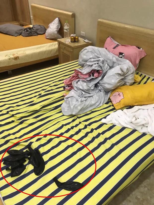 Kinh hoàng những pha du khách ở cực bẩn trong khách sạn và homestay: Rác ngập kín lối, chó phóng uế cả... trên giường - Ảnh 9.