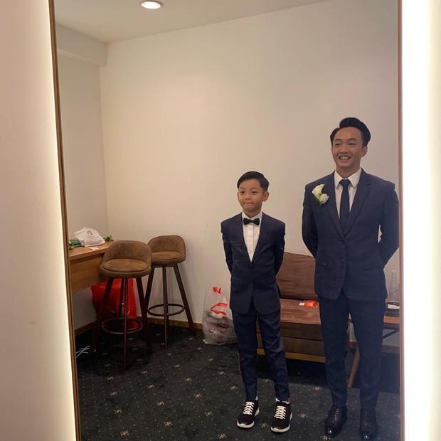 Tan chảy trước khoảnh khắc Cường Đô La cột dây giày cho con trai Subeo trong hôn lễ của mình cùng Đàm Thu Trang - Ảnh 1.
