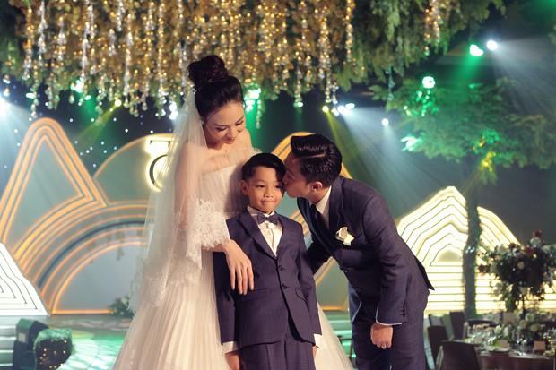 2 ngày sau hôn lễ, Đàm Thu Trang cuối cùng cũng tung clip toàn bộ khoảnh khắc đắt giá nhất trong ngày trọng đại - Ảnh 3.