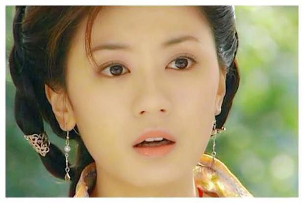 7 gương mặt đẹp nhất 15 năm trước: Dương Mịch đứng cuối, top 1 ai ai cũng phải công nhận - Ảnh 2.