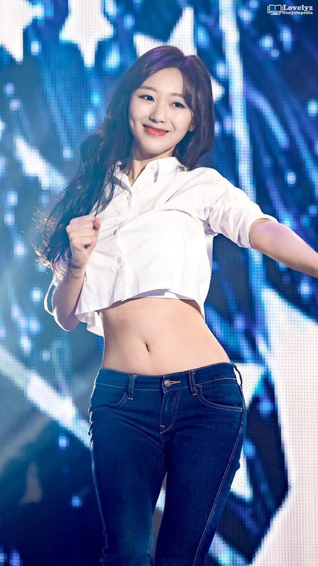 Những nữ idol có vòng eo con kiến đẹp nhất Kpop: Có người chỉ mới 15 tuổi, liệu Jennie có xuất sắc nhất? - Ảnh 20.