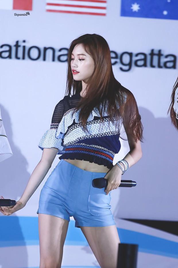 Những nữ idol có vòng eo con kiến đẹp nhất Kpop: Có người chỉ mới 15 tuổi, liệu Jennie có xuất sắc nhất? - Ảnh 8.