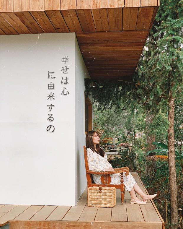 """Lên Đà Lạt làm bạn với cá Koi, Kỳ Duyên và Minh Triệu khiến fan """"ngất lịm"""" trước quán cafe style Nhật cực hot này! - Ảnh 20."""