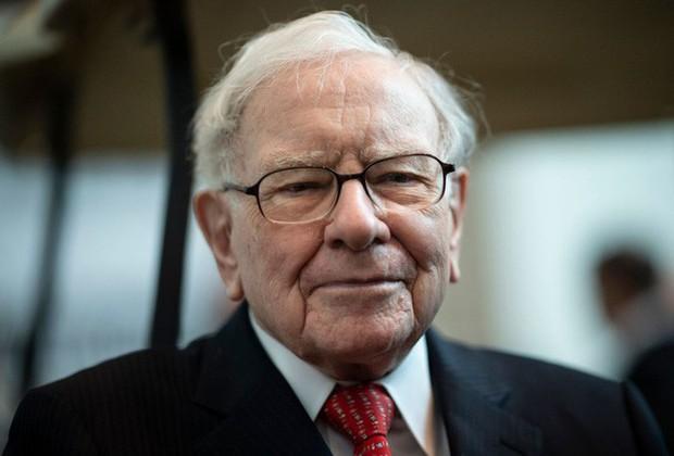 Cha mẹ Việt hở ra là đòi giữ tiền hộ con nhưng tỷ phú Warren Buffett coi đây là một trong những sai lầm tai hại nhất về tiền bạc - Ảnh 1.