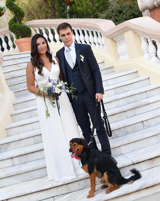 Cô gái gốc Việt kết hôn với cháu trai Công nương Grace Kelly: Cô dâu Hoàng gia diện 3 bộ váy cưới đơn giản nhất từ trước đến giờ - Ảnh 6.