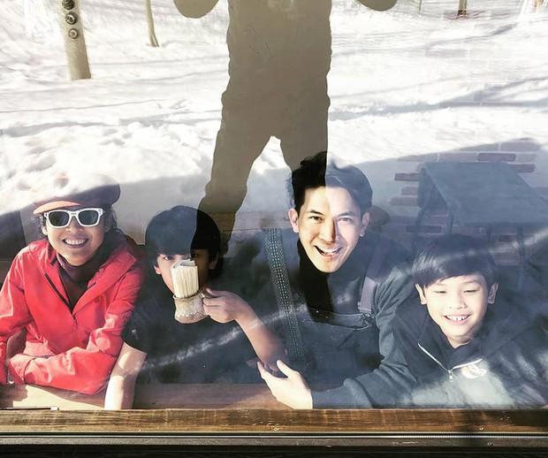 Top tài tử chung tình có tiếng showbiz Thái: Dượng Chat Chiếc lá bay lọt top nhưng liệu có bằng các nam thần khác? - Ảnh 7.