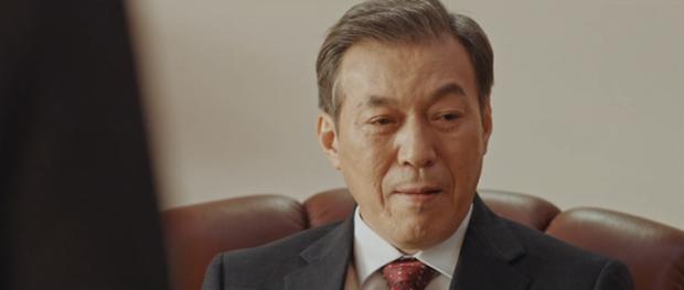 Làm phim bóc phốt gắt hơn scandal chấn động của Seungri, thiên hạ trầm trồ với Tổng Thống 60 Ngày của tvN - Ảnh 9.