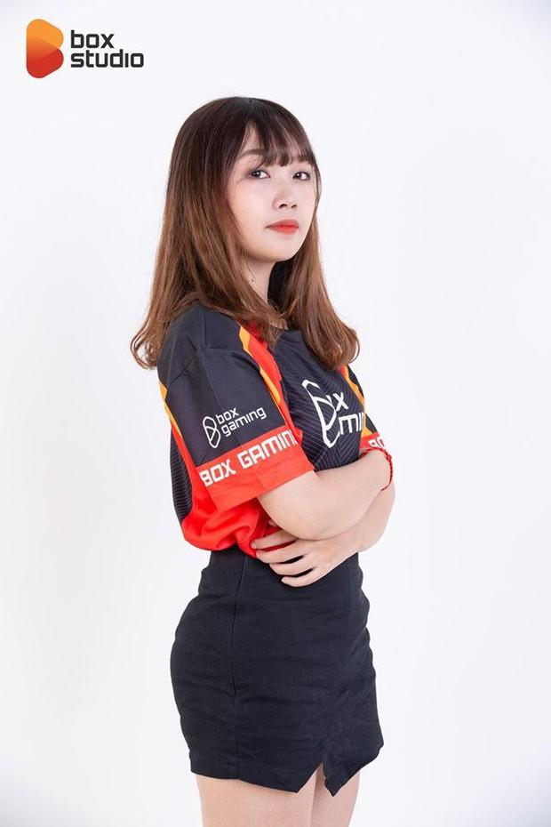 Box Ladies: Những bóng hồng xinh đẹp đại diện Liên Minh Huyền Thoại Việt Nam tham dự FSL - Họ là ai? - Ảnh 5.