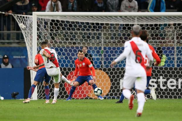Đè bẹp ĐKVĐ Chile, Peru hiên ngang tiến vào gặp Brazil ở chung kết Cúp Nam Mỹ - Ảnh 3.