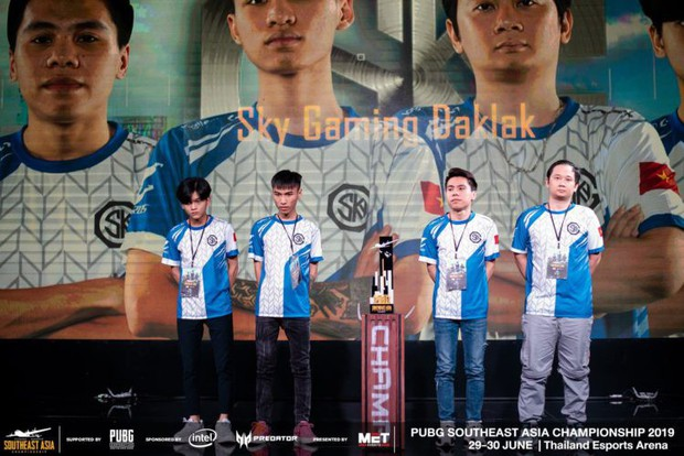 Độ Mixi cùng các tuyển thủ PUBG Việt Nam thất bại hoàn toàn trên đất Thái, bỏ lỡ giấc mơ dự MET Asian Series - Ảnh 7.