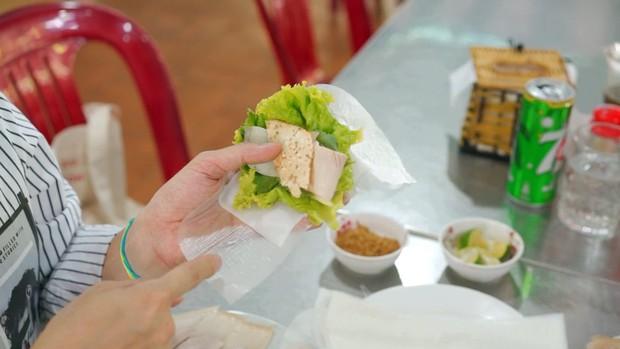 Hãy để Quang Vinh dắt bạn đi ăn sập Đà Nẵng, từ ăn vặt, ăn no cho đến cà phê sống ảo chẳng thiếu thứ gì - Ảnh 3.