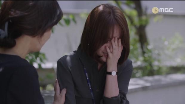 Hậu dằn mặt tình cũ, Han Ji Min chớp thời cơ cầu hôn luôn phi công Jung Hae In trong Đêm Xuân tập 13 - Ảnh 9.