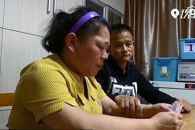 Vợ chồng ung thư rút thăm chọn người được sống chăm con - Ảnh 1.