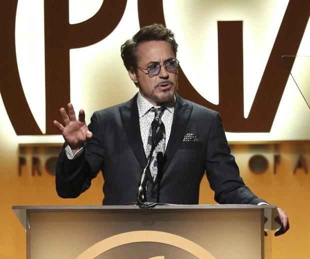 Kế hoạch giải cứu Trái đất trong 10 năm của Robert Downey Jr - Iron Man từ phim bước ra đời là đây chứ đâu - Ảnh 2.