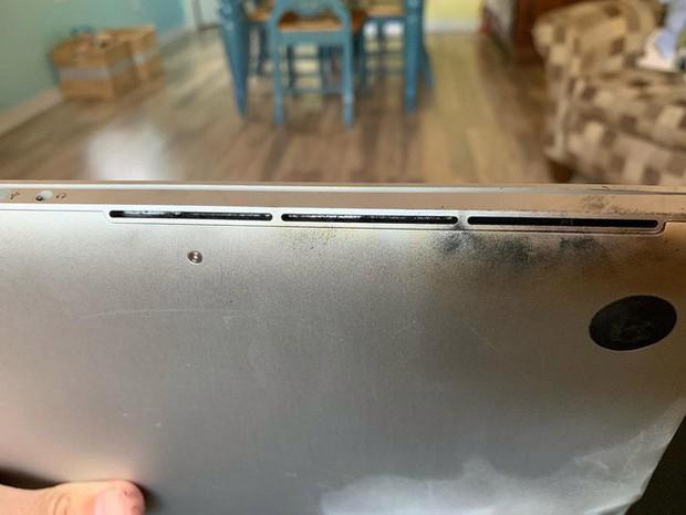 Phát hiện MacBook Pro đầu tiên cháy nổ sau khi Apple thực hiện chương trình thu hồi - Ảnh 2.