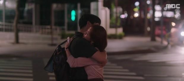 Đêm Xuân tập 14: Han Ji Min đáp trả siêu ngầu, đòi tới nhà bố tình cũ chỉ để lấy ảnh chụp trộm Jung Hae In - Ảnh 6.