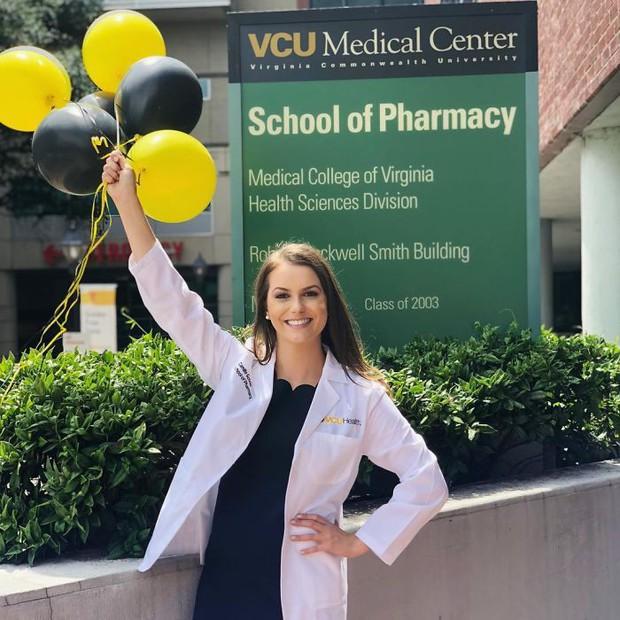 Dược sĩ 24 tuổi giành danh hiệu hoa hậu Virginia nhờ thực hiện thí nghiệm hóa học trong phần thi tài năng - Ảnh 6.