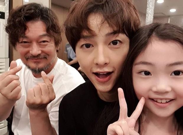Náo loạn tin Song Joong Ki đăng ảnh vui vẻ lên Instagram 7 triệu follower giữa bão ly hôn, nhưng sự thật là gì? - Ảnh 7.