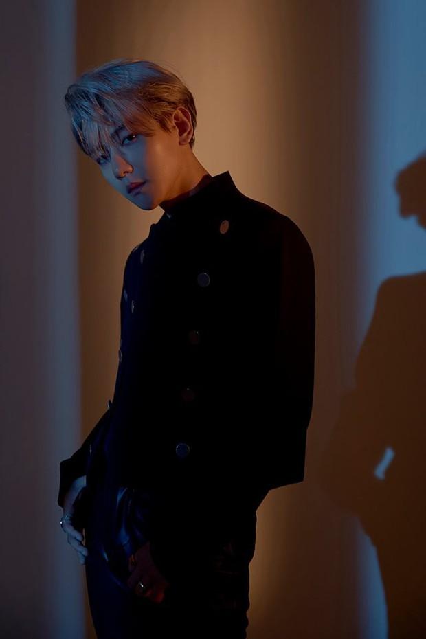 Thành viên BTS, EXO, Wanna One đồng loạt thả thính: Người khoe ngực hững hờ, kẻ hoá trai hư siêu chất - Ảnh 3.