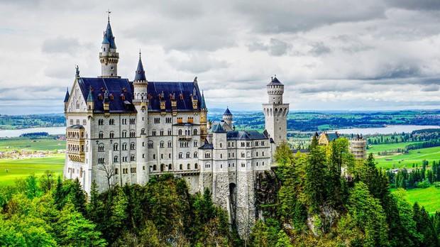 10 địa điểm du lịch nổi tiếng thế giới nghiêm cấm chụp ảnh đăng lên mạng xã hội, chỗ đầu tiên khiến ai cũng bất ngờ - Ảnh 3.