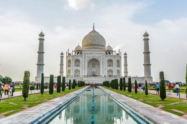 10 địa điểm du lịch nổi tiếng thế giới nghiêm cấm chụp ảnh đăng lên mạng xã hội, chỗ đầu tiên khiến ai cũng bất ngờ - Ảnh 2.