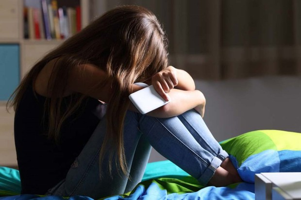 Nữ sinh 16 tuổi được chẩn đoán bị trầm cảm nặng, nguyên nhân xuất phát từ chính người cha - Ảnh 3.