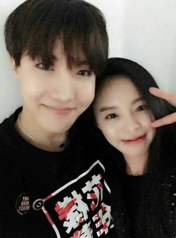 Dàn anh chị em ruột nhóm nhạc toàn cầu BTS: Chị gái thành viên giàu nhất sexy như idol, anh trai Jungkook quá tài - Ảnh 1.