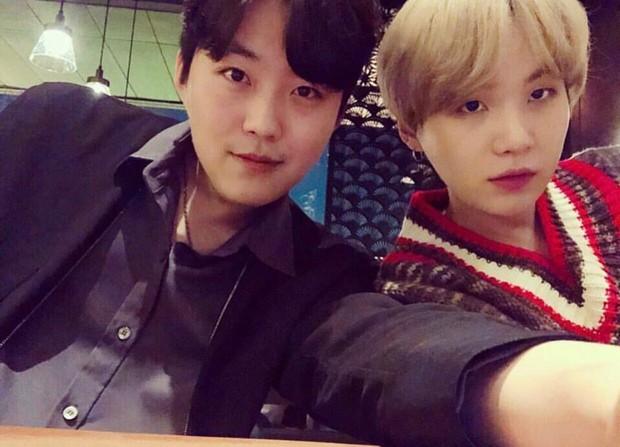 Dàn anh chị em ruột nhóm nhạc toàn cầu BTS: Chị gái thành viên giàu nhất sexy như idol, anh trai Jungkook quá tài - Ảnh 15.
