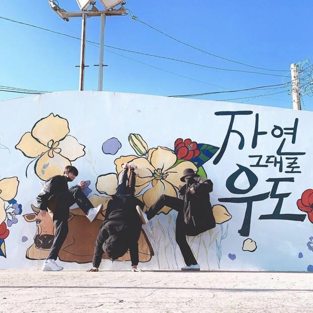 Dàn anh chị em ruột nhóm nhạc toàn cầu BTS: Chị gái thành viên giàu nhất sexy như idol, anh trai Jungkook quá tài - Ảnh 23.