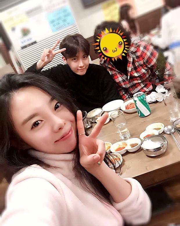 Dàn anh chị em ruột nhóm nhạc toàn cầu BTS: Chị gái thành viên giàu nhất sexy như idol, anh trai Jungkook quá tài - Ảnh 2.