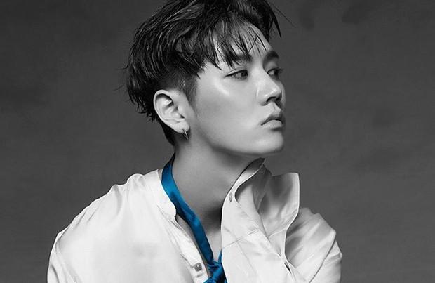 10 nam idol mặt đẹp đến mức được gọi là tượng tạc sống: Quá nhiều trai đẹp SM, nhưng mỹ nam BTS ấn tượng nhất - Ảnh 16.