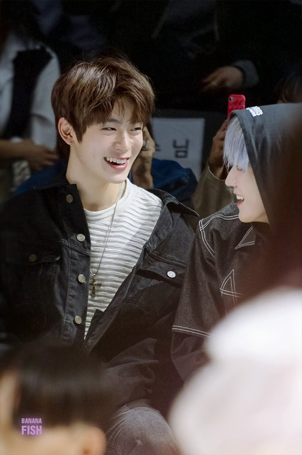 10 nam idol mặt đẹp đến mức được gọi là tượng tạc sống: Quá nhiều trai đẹp SM, nhưng mỹ nam BTS ấn tượng nhất - Ảnh 10.