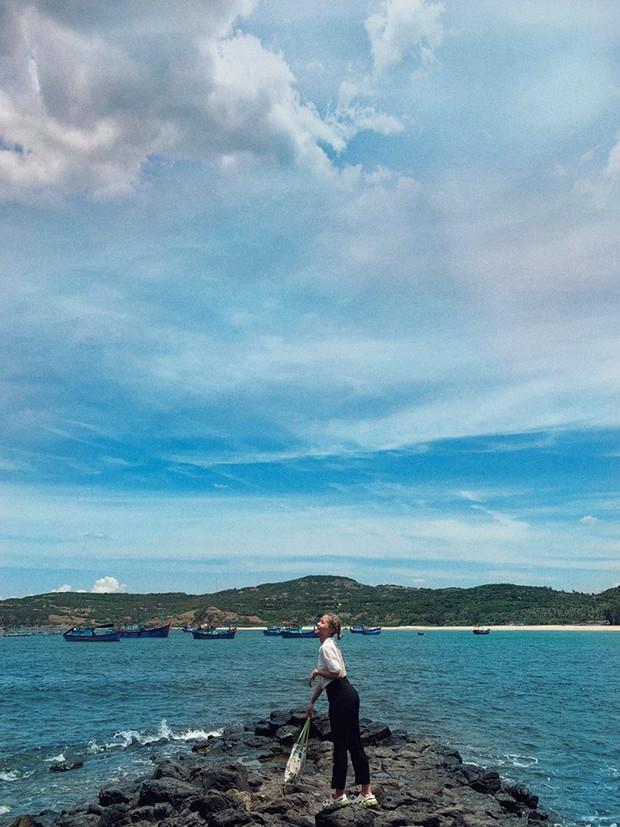 Video địa danh gành đá đĩa ở Phú Yên đông nghịt người gây choáng váng, nhưng thực ra không phải lúc nào cũng vậy - Ảnh 10.