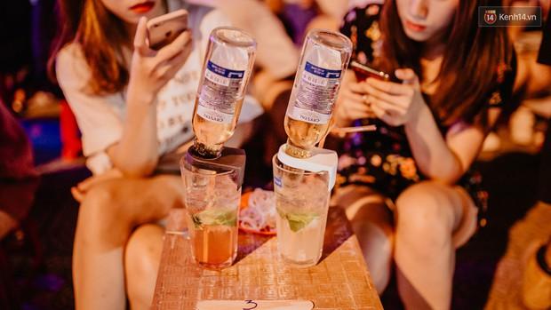 """Review quán bia úp ngược đầu tiên ở Sài Gòn: Giá rẻ, nước uống """"chất"""", ngày thường hay cuối tuần gì cũng đông như Bùi Viện - Ảnh 7."""